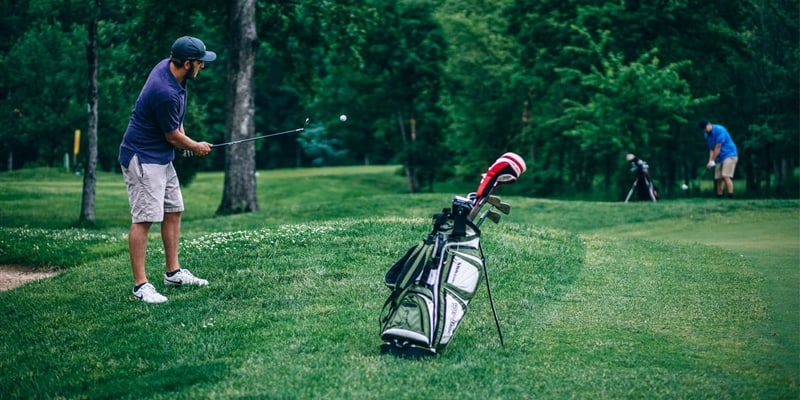 helpful tips for beginners to learn golfing