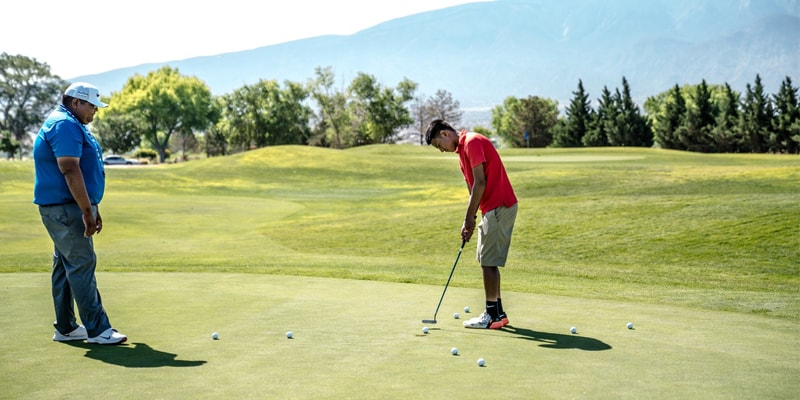 proper etiquette while playing golf